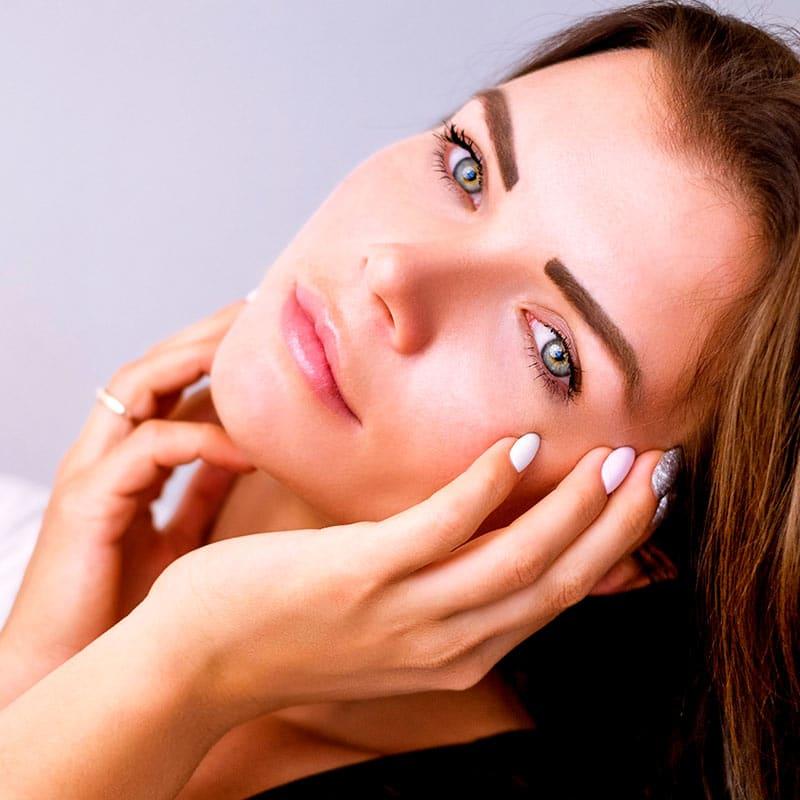 Rewitalizacja skóry – jak przebiega zabieg?